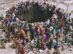 Women queuing for water in India. Photo from Ashok Khosla's presentation at the Tällberg Forum 2009